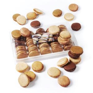 Coffret macarons de 25 macarons amande parfums fruités ou classiques