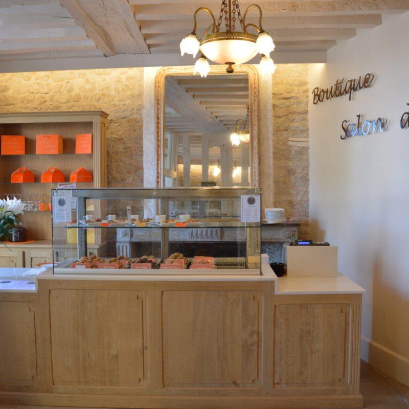 Notre salon de thé à Vézelay propose les macarons de notre Biscuiterie artisanale